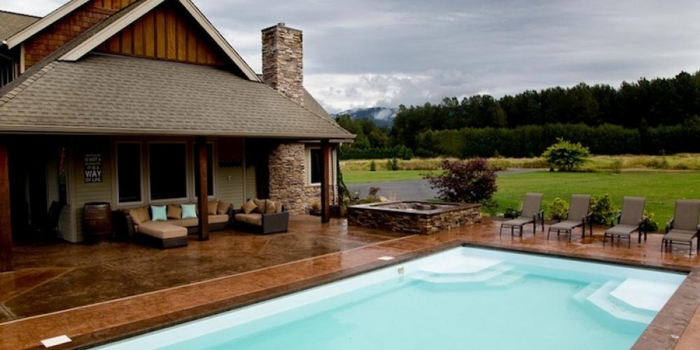 Krásny horský bazén