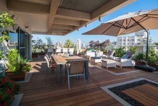 Zrekonštruovaný Izraelský domov s priestranným balkónom