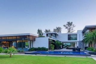 Biela Moderná Vila v Novom Dillí